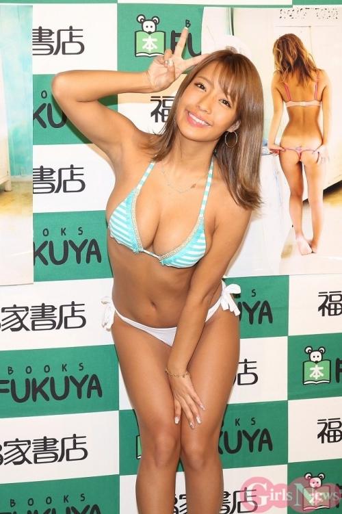 橋本梨菜 65