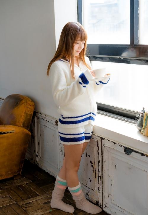 初川みなみ 01