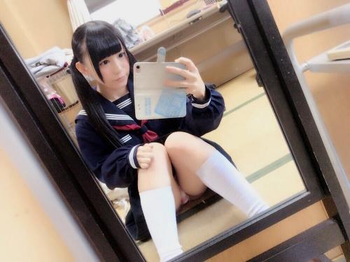 JK しゃがみ M字開脚パンチラ 21