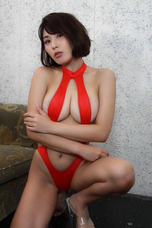 金子智美 31
