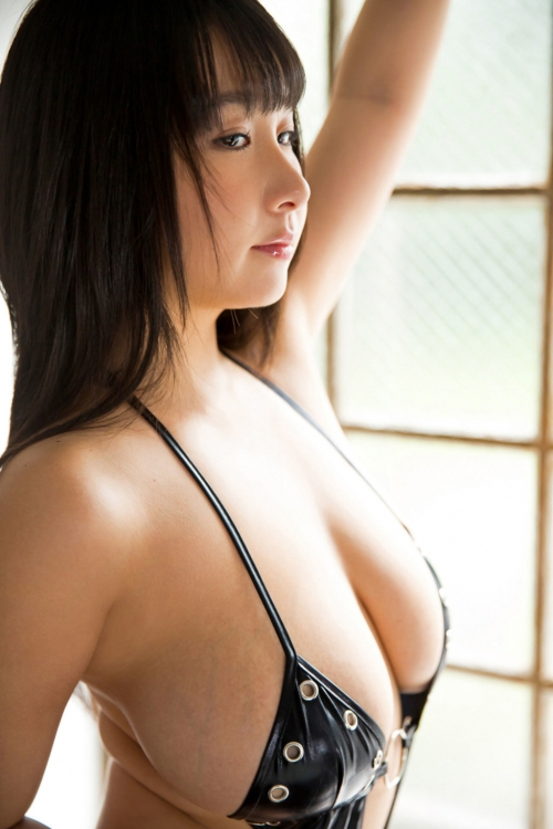 桐山瑠衣 23