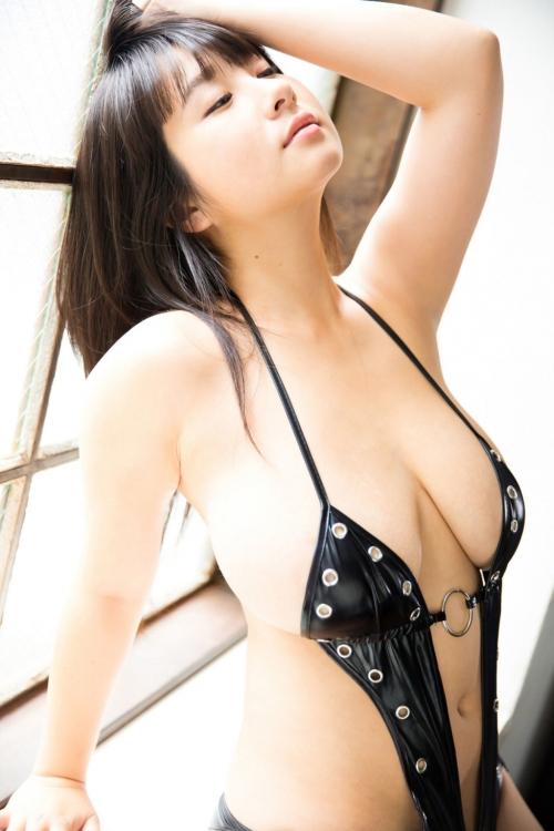 桐山瑠衣 27