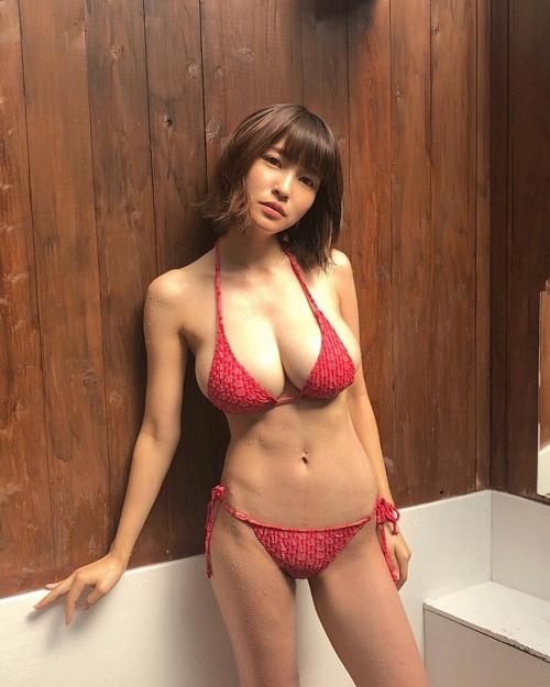 岸明日香 10