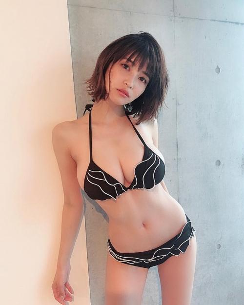 岸明日香 48