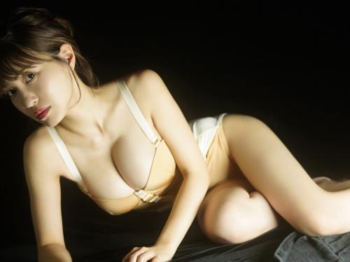 岸明日香 65
