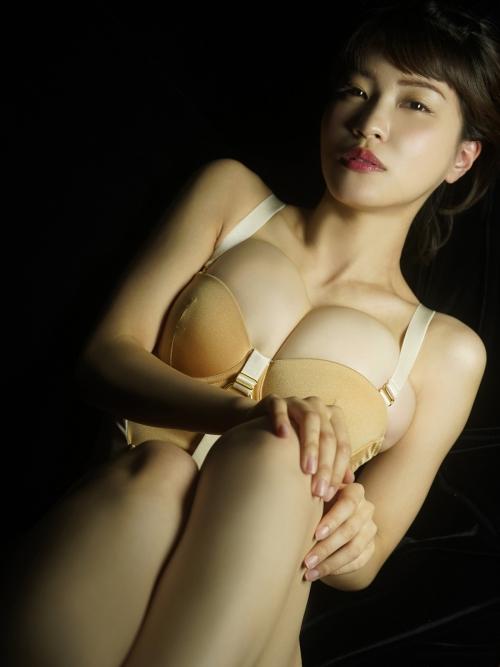 岸明日香 67