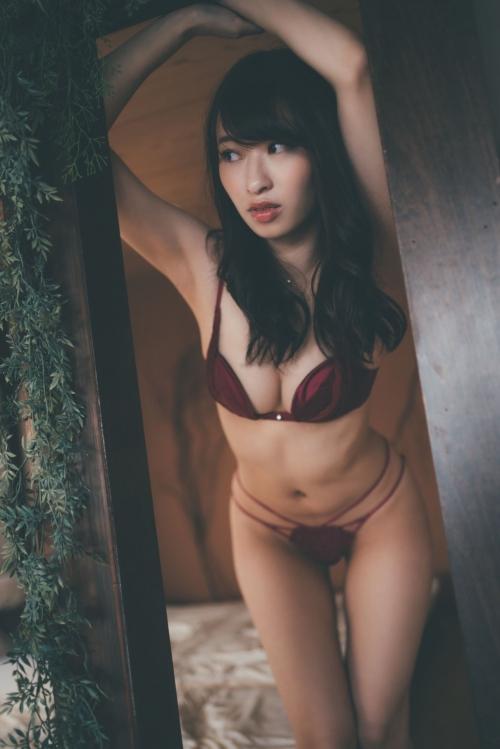 倉持由香 人妻グラビア 53