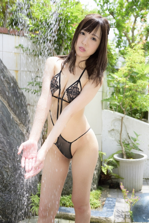 草川紫音 『First date』 06