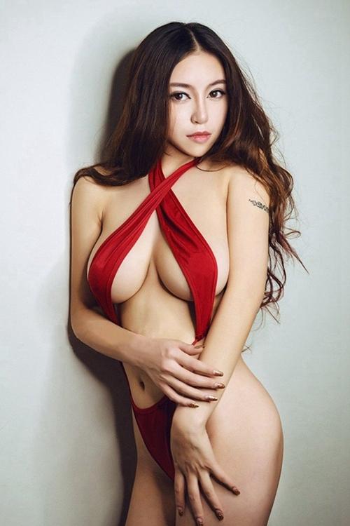 赤いランジェリー 07