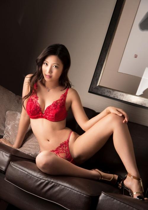 赤いランジェリー 34