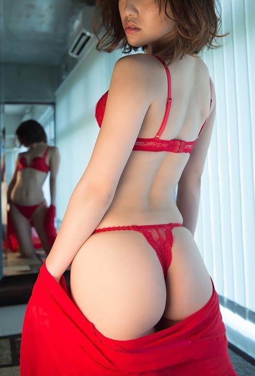 赤いランジェリー 69