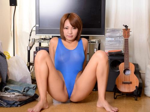 M字開脚 80