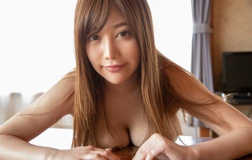 益坂美亜 18