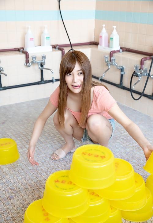 益坂美亜 29
