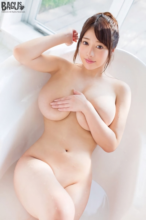 益坂美亜 126