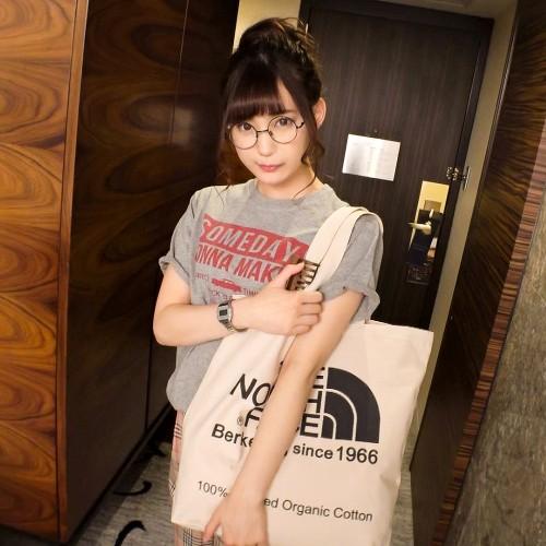 美谷朱里 あざと可愛い!モデル並の美少女をナンパ・イチャラブハメ撮りが裏山