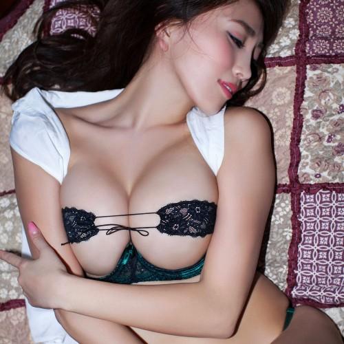 森咲智美 入れ乳でも、この悩殺Gカップのエロ威力は凄い!過激露出グラビア
