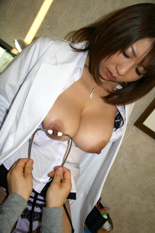 女医 64