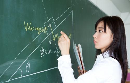 AV女優 小川桃果 Fカップ  女教師コスプレヌード 08