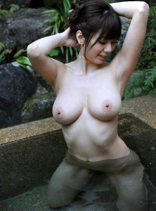 露天風呂 32