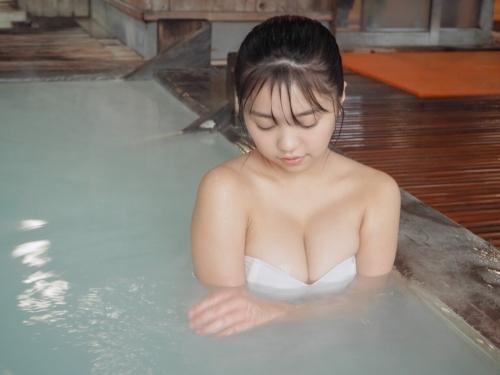 温泉 おっぱい 14