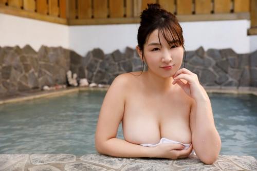 温泉 おっぱい 25