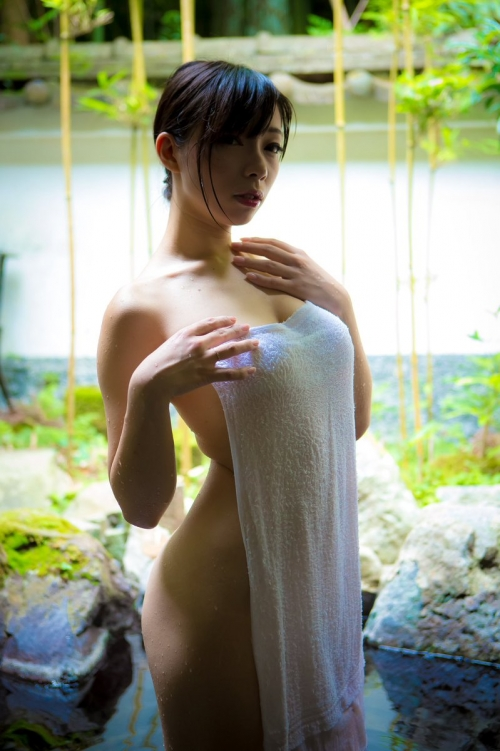 温泉 ヌード 02