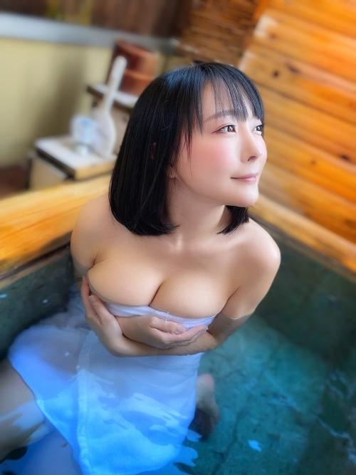 温泉 ヌード 14