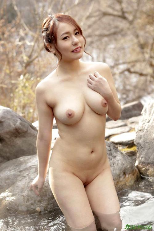 温泉 ヌード 20