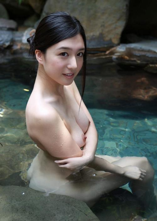 温泉 ヌード 26