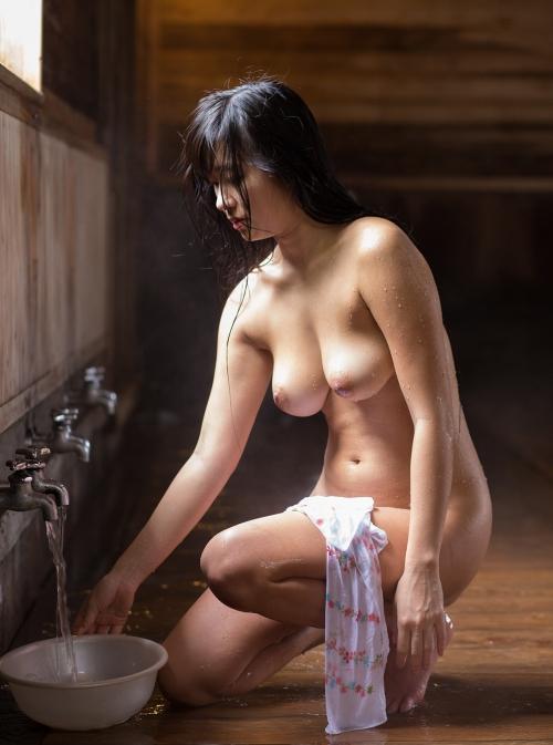 温泉 ヌード 47