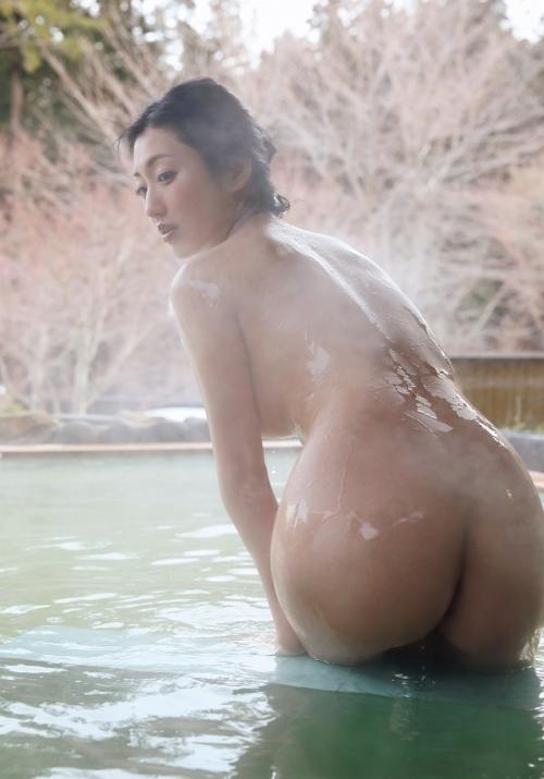温泉 ヌード 65