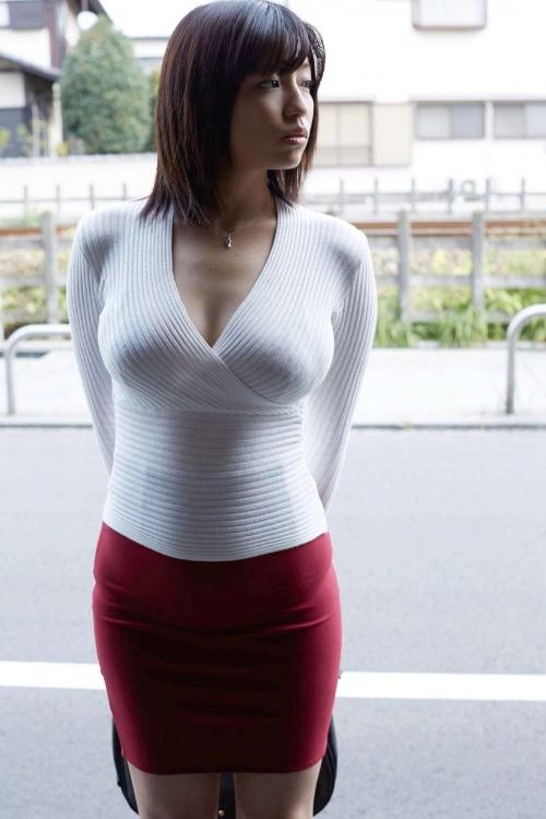 着衣 巨乳 49