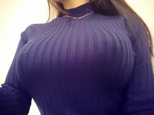 着衣巨乳 35