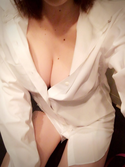癒しのおっぱい AV女優 112