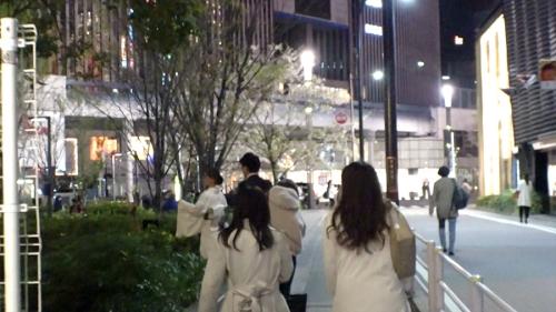 夜の巷を徘徊する激レア素人!! 18 咲野の花 300MIUM-429 03