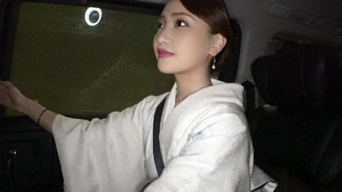 夜の巷を徘徊する激レア素人!! 18 咲野の花 300MIUM-429 11