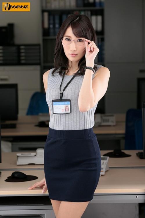 クールでエリート爆乳女上司が朝まで絶頂オーガズム 無能な部下の巨根で何度も膣奥突かれたJ部長 JULIA 102