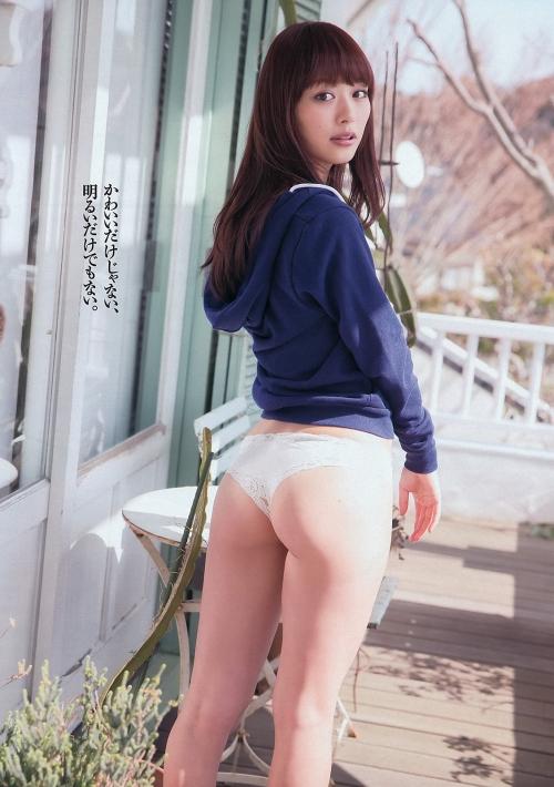 内田理央 03
