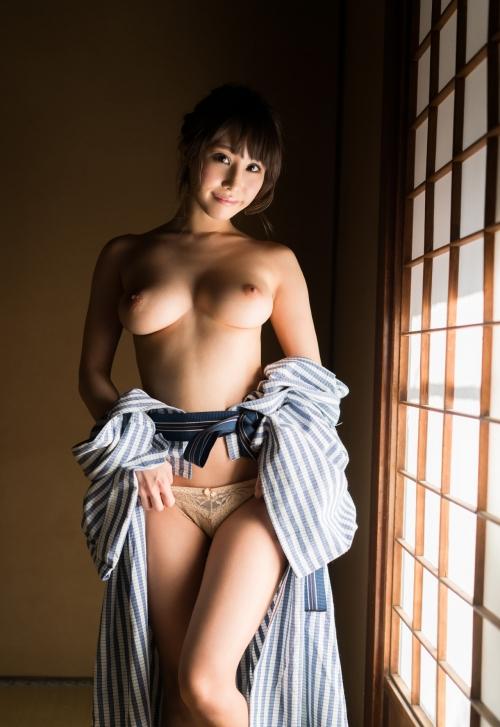 AV女優 あやみ旬果 浴衣 97