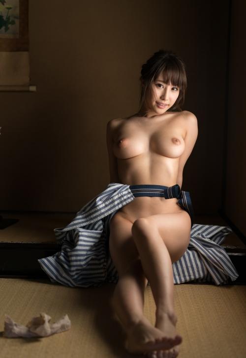 AV女優 あやみ旬果 浴衣 99