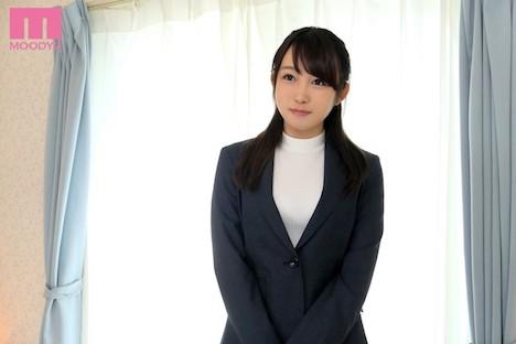 【新作】現役女教師AVデビュー 桐谷なお 10