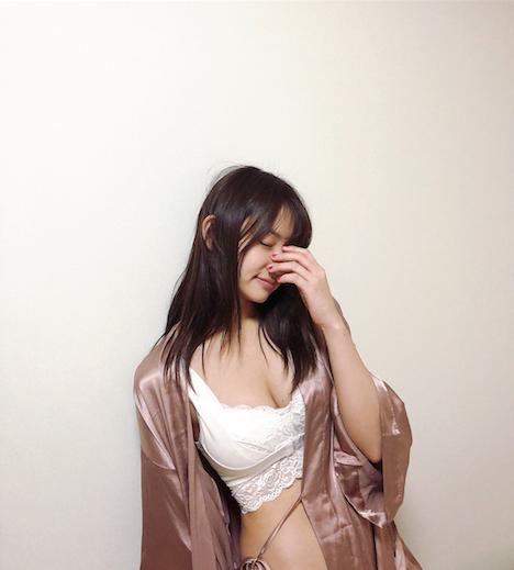 永尾まりやさんのSEX 153-1