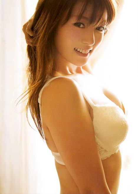深田恭子さんの太もも 18-1