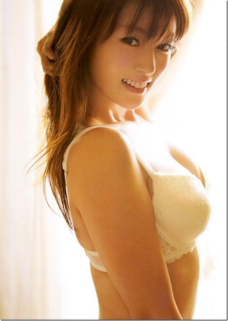 深田恭子さんの太もも 18-11