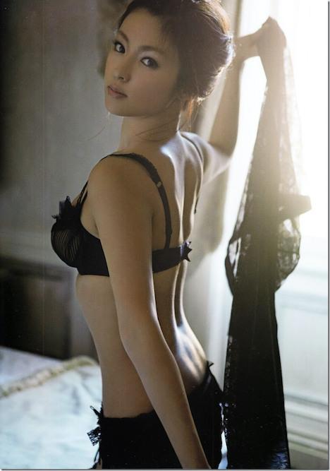 深田恭子さんの太もも 26-3