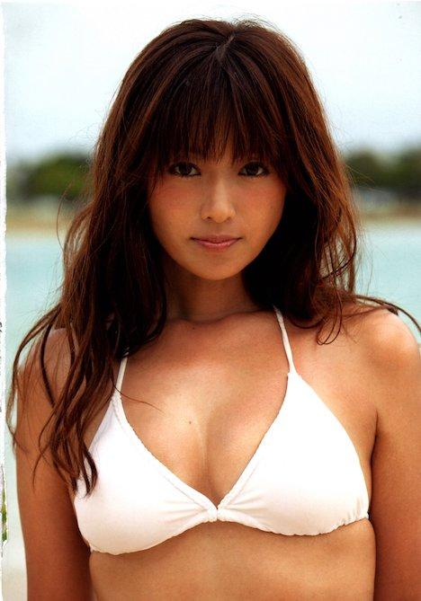 深田恭子さんの太もも 28-1