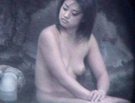 深田恭子さんの太もも 44-3