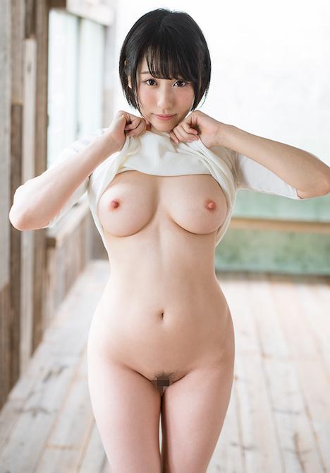 【新作】どんな刺激も痛みも笑顔で受け入れる変態ちゃん ドM界の新星 梨々花 AV debut 2