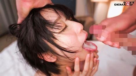 【新作】どんな刺激も痛みも笑顔で受け入れる変態ちゃん ドM界の新星 梨々花 AV debut 7